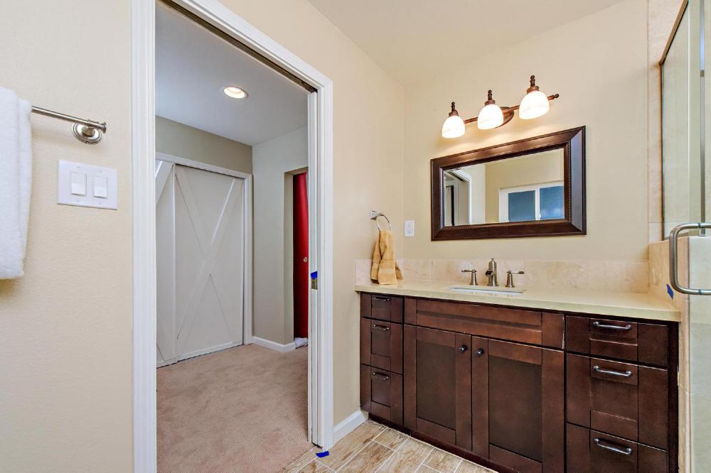 Kitchen Cabinets - H Cabinet